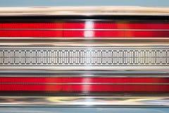 Bakre ljus av bilen med den symmetriska modellen Arkivbilder