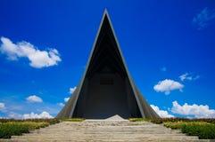 Bakre sikt av den triangulära prinsen Mahidol Hall Arkivfoto