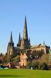 Bakre sikt av domkyrkan, Lichfield, England Fotografering för Bildbyråer