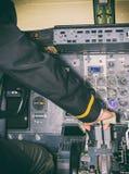 Bakre sikt av piloten Royaltyfria Bilder