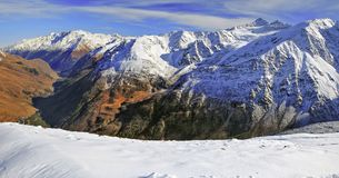 Baksan谷的全景 俄罗斯,卡巴尔达Balkarian共和国 免版税库存照片