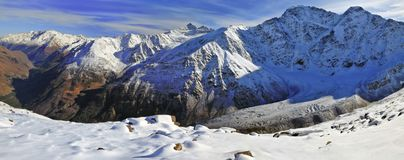 Baksan谷的全景 俄罗斯,卡巴尔达Balkarian共和国 图库摄影