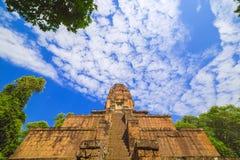 Baksei Chamkrong, de 10de eeuw Hindoese tempel, een deel van Angkor Wat Royalty-vrije Stock Foto's