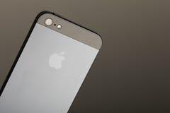 Baksida av iPhonen 5 Fotografering för Bildbyråer