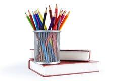 Baksidt till skolabegreppet med böcker Royaltyfri Foto