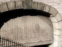 Baksteen en kanaaldetail houten ingang Royalty-vrije Stock Fotografie