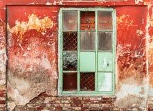 Baksteen uitstekende vensters Stock Afbeelding