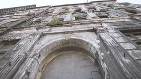 Baksteengebouwen door WW2 worden beschadigd die stock videobeelden