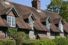 Baksteenplattelandshuisjes in Wherwell hampshire engeland Stock Afbeeldingen