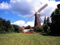 Baksteenwindmolen, Woodbridge, Suffolk. Royalty-vrije Stock Fotografie