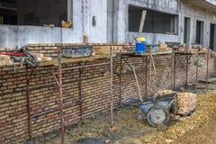 Bakstenen muur in aanbouw Royalty-vrije Stock Foto's