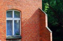Bakstenen muur en venster Royalty-vrije Stock Foto's