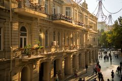 Baku, Azerbaijão, rua Center imagem de stock