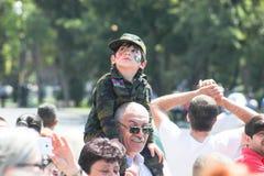 BAKU, AZERBEIDZJAN - JUNI 26 2018 - Militaire Parade in Baku, Azerbeidzjaans mensen die 100ste verjaardag van Strijdkrachten vier Stock Foto's
