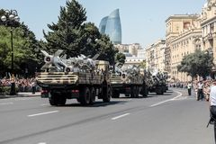 BAKU, AZERBEIDZJAN - JUNI 26 2018 - Militaire Parade in Baku, Azerbeidzjan op Legerdag Azerbeidzjan die 100ste verjaardag van Wap Stock Foto's