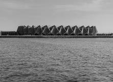 Baku Azerbejdżan, Maj, - 22, 2019: Krystaliczny Hall na nadmorski Baku i czarny biały widoku krajobraz morze kaspijskie obrazy stock
