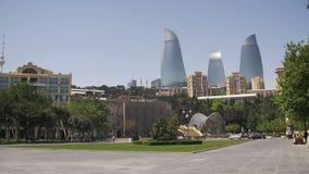 Baku Embankment, Ansicht der Flamme ragt, Aserbaidschan hoch stock footage
