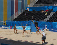 BAKU EUROPÉ GAMES-JUNE 20,2015-BEACH VOLL FÖR AZERBAIJAN-THE FÖRSTA Royaltyfri Fotografi