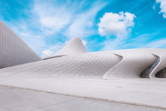 BAKU - 16 juli: Heydar Aliyev Center Museum in Baku, Azerbeidzjan stock foto's