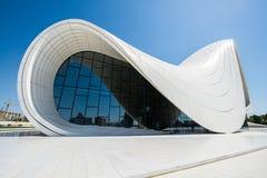 BAKU MAY 03: Heydar Aliyev Center Arkivbild
