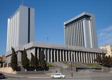 Baku, o parlamento de Azerbijan abriga foto de stock royalty free