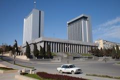 Baku, o parlamento de Azerbijan abriga fotos de stock royalty free