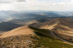 Bakuriani滑雪中心尼斯风景的峰顶视图 免版税图库摄影
