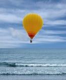 Balão amarelo Fotografia de Stock Royalty Free