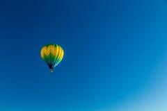 Balão branco 2016 com convite das areias Imagem de Stock