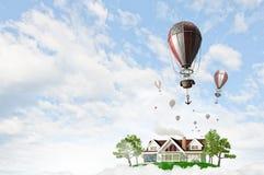 Balão de ar no céu do verão Fotos de Stock Royalty Free