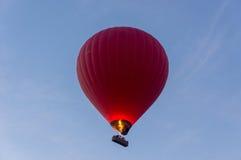 Balão de ar quente apenas ligado foto de stock royalty free