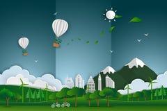 Balão de ar quente com a árvore que flutua sobre a paisagem urbana da cidade no fundo de papel do sumário da cena da arte Foto de Stock Royalty Free