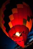 Balão de ar quente com incandescência das chamas Imagens de Stock