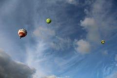 Balão de ar quente livre no céu Imagem de Stock