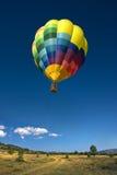 Balão de ar quente no céu azul Fotografia de Stock