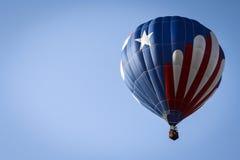 Balão de ar quente patriótico acima Imagens de Stock