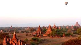 Balão de ar quente sobre Bagan video estoque