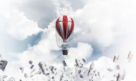 Balão de ar quente de voo no ar Fotos de Stock