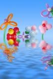 Balão no céu e na água do fundo Imagem de Stock Royalty Free