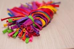 Balão que torce o fundo Balões multi-coloridos longos Imagem de Stock Royalty Free