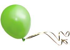 Balão verde com fita dourada Foto de Stock
