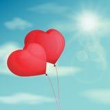 Balão vermelho, coração no céu do fundo Filtro do vintage do vetor Imagens de Stock