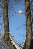 Balón de aire en invierno imagen de archivo