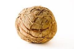 Balón de fútbol africano hecho de las hojas del plátano fotos de archivo