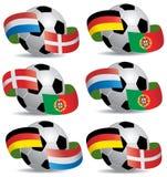 Balón de fútbol con los indicadores Imagenes de archivo