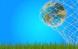 Balón de fútbol 3d-illustration en meta Elementos de este furn de la imagen Foto de archivo