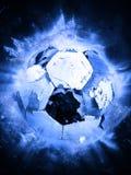 Balón de fútbol desinflado viejo aislado en blanco fotografía de archivo libre de regalías