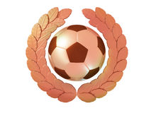 Balón de fútbol en la guirnalda de bronce del laurel Foto de archivo libre de regalías