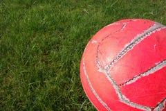 Balón de fútbol viejo Fotografía de archivo