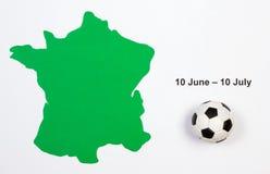Balón de fútbol y contorno verde Francia Imagenes de archivo